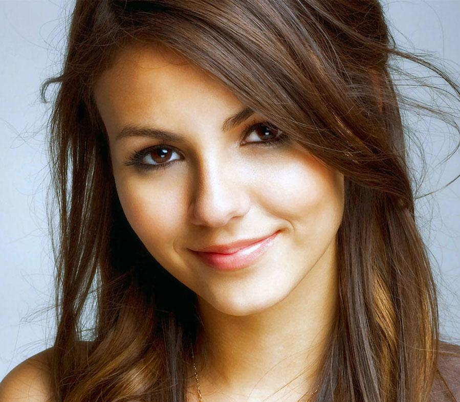 victoria justice premieres music video for new single