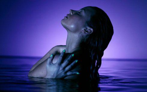 Demi Lovato - Neon Nights