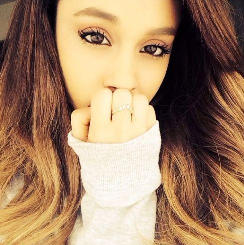 Ariana02