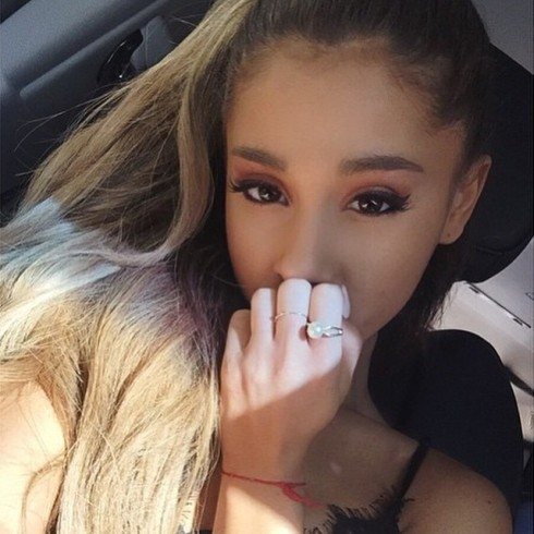 Ariana03